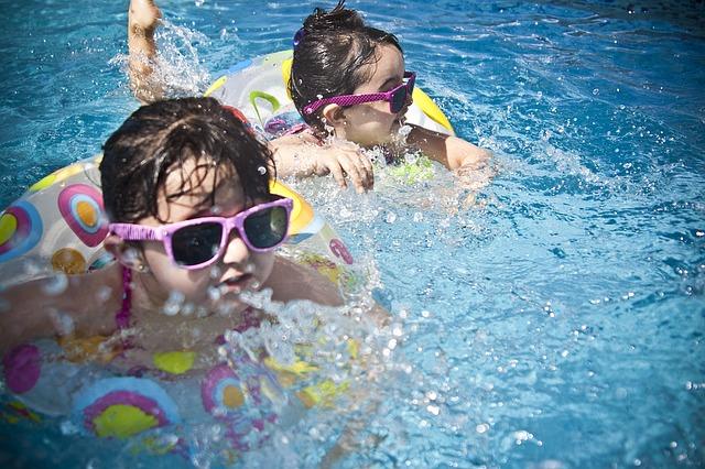 plavání s brýlemi